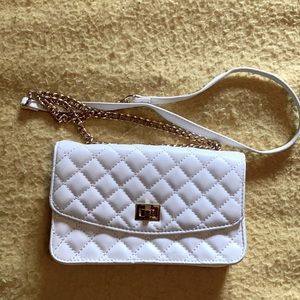 ⭐️2/$20⭐️Quilted small purse